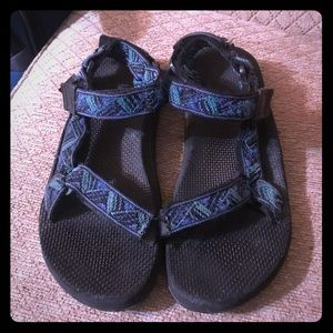 Green and Blue Aztec print Teva size 8 GUC